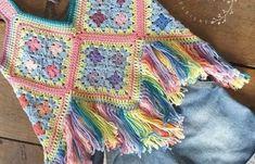 Ravelry: Boho Chic Crop-top pattern by Melanie Grobler Bohemian Crochet Patterns, Hippie Crochet, Crochet Girls, Free Crochet, Knit Crochet, Crochet Summer Tops, Crochet Crop Top, Crop Top Pattern, Bustier Top
