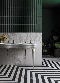 The lines of the tiles offset against the floor patterns and vivid colours really stand this image apart a stunning. Mandarin Stone, Ceramic Subway Tile, Outdoor Tiles, Black And White Marble, Classic Bathroom, Marble Effect, Floor Patterns, Bathroom Interior Design, Bathroom Inspiration