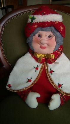Natal Diy, Merry Christmas, Xmas, Chair Covers, Elf On The Shelf, Gingerbread, Sarah Key, Holiday Decor, Christmas Decor