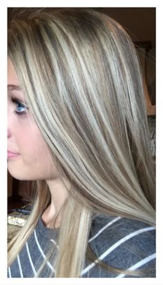 17 Stunning Examples of Balayage Dark Hair Color - Style My Hairs Blonde Hair With Highlights, Brown Blonde Hair, Dark Hair, Black Hair Ombre, Ombre Hair, Bob Hairstyles, Winter Hairstyles, Layered Hair, Great Hair
