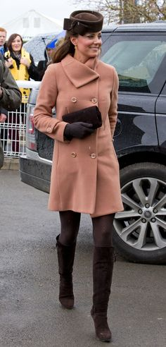 Maternity Style: Princess Diana & Kate Middleton: Statement Outerwear: Duchess Catherine