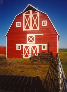Love these red barns so charming..