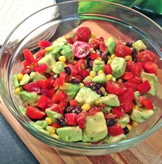 Simple Southwestern-Style Salad This healthy salad is quick to prepare and delicious. Serves: Ingredients 2 avocados, diced 1 lime 1 cup sweet corn, drained 1 cup black beans, drained and rinsed 1 red bell pepper, seeded and diced 1 cup cherry tomatoes Vegetarian Recipes, Cooking Recipes, Healthy Recipes, Great Recipes, Favorite Recipes, Recipes Dinner, Dinner Ideas, Healthy Snacks, Healthy Eating