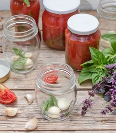 Suc de rosii cu usturoi si busuioc pentru pizza si pasteCooking with my soul Paste, Pizza, Big Family, Canning, Vegetables, Food, Fine Dining, Home Canning, Veggies