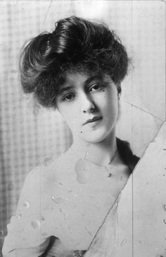 Evelyn Nesbit Thaw, wife of Harry K. Thaw, in an undated photo. | Old Pittsburgh photos and stories | The Digs
