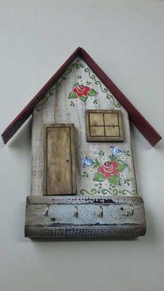 porta chave de madeira pintado a mão