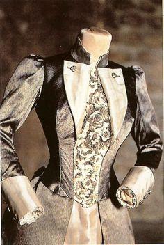 Winona Ryder as Mina Murray/Harker, Ship outfit ~ Bram Stoker's Dracula (1992) by Coppola - #CostumeDesign: Eiko Ishioka