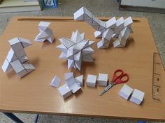 didactmaticprimaria: Geometría creativa y constructiva en Educación Primaria Geometry Activities, Math Activities, Stem Projects, Science Projects, Origami, Math Challenge, Montessori Math, Math Art, Math Games