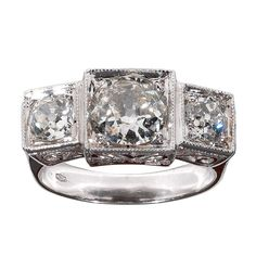 A three stone Diamond ring 1