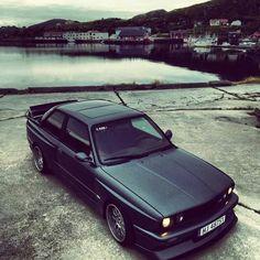 BMW E30 M3 matte black turbo 580 hp