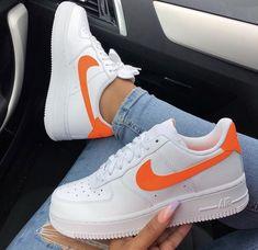hot sale online 71023 2f3eb BADDIEPINS123♡❤ Cute Sneakers, Tumblr Sneakers, Sneakers Nike, Girls  Sneakers, Sneakers