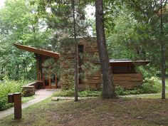 Seth Peterson Cottage, a Frank Lloyd Wright Design Frank Loyd Wright Houses, Casas De Frank Lloyd Wright, Frank Lloyd Wright Style, Cabana, Seth Peterson, Lake Delton, Wisconsin, Cottage In The Woods, Home Icon