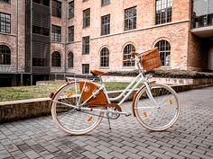Szép kerékpár egy szép környezetben. Bicycle, Classic, Vintage, Derby, Bike, Bicycle Kick, Bicycles, Classic Books, Vintage Comics