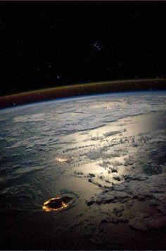 La Réunion et Maurice (au 2nd plan), vue depuis la station spatiale internationale.