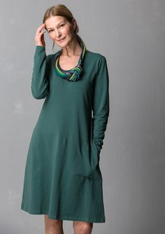 """Enfärgad och tryckt klänning """"Gunnel"""" i ekobomull/elastan – Kjolar & klänningar – GUDRUN SJÖDÉN – Kläder Online & Postorder"""