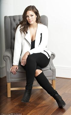 Photography Boudoir Plus Size Ashley Graham 56 Ideas For 2019 Source by size poses Big Girl Fashion, Curvy Women Fashion, Plus Size Fashion, Modest Fashion, Womens Fashion, Looks Plus Size, Plus Size Model, Plus Size Dresses, Plus Size Outfits