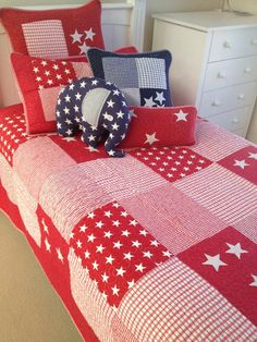 Lachlan Single Bed Coverlet Set In Red