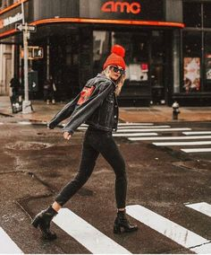 20 Edgy Fall Street Style 2018 Outfits To Copy - Autumn Fashion Casual, Fall Fashion Trends, Casual Fall, Autumn Winter Fashion, Street Style 2018, Looks Street Style, Autumn Street Style, Look Fashion, Urban Fashion