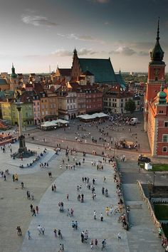 Old Town Warsaw in Poland. destroyed by Germany to start WW Gorgeous city. A must see. Places Around The World, Oh The Places You'll Go, Travel Around The World, Places To Travel, Places To Visit, Around The Worlds, Bósnia E Herzegovina, Warsaw Poland, Warsaw Old Town