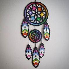 Traumfänger - Dreamcatcher    #Hama #Bügelperlen #iron_beads # perler_beads perler beads    by staywithme_arienette by lorie