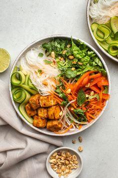 Vegetarian Fish Sauce, Vegetarian Recipes, Healthy Recipes, Vegan Bowl Recipes, Vermicelli Recipes, Vermicelli Noodles, Plats Healthy, Whole Food Recipes, Cooking Recipes