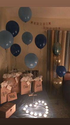 Birthday Surprise Husband, Birthday Gifts For Boyfriend Diy, Creative Gifts For Boyfriend, Cute Boyfriend Gifts, Cute Birthday Gift, Boyfriend Anniversary Gifts, Friend Birthday Gifts, Year Anniversary Gifts, Anniversary Surprise