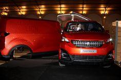 Foodtruck Peugeot, le bistrot du lion Peugeot, Lion, Vehicles, Car, Leo, Automobile, Lions, Autos, Cars