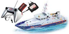 Küstenwache spielen: Mit Mikrofon an der Fernbedienung und Lautsprecher am Boot klappt das. Leider ohne Eisbrecherfunktion :-(