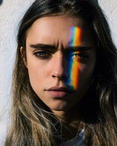 Sai come si fa un rainbow selfie? Ecco il segreto per andare a caccia di arcobaleni -cosmopolitan.it