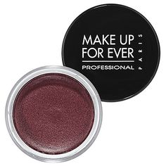 a sexy look for nighttime.  Oxblood eyeshadow instead of black must try
