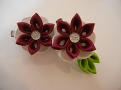 kanzashi flower, set of kanzashi hair clip, hair accesories, white and burgundy flower by CarmelasDesigns on Etsy