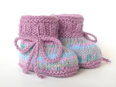 Baby Knitting Patterns Booties Knitted & Crocheted Shoes – Knitted Baby Shoes – a unique product by ellyshop … Knit Baby Booties, Crochet Baby Shoes, Baby Boots, Free Baby Blanket Patterns, Baby Knitting Patterns, Doll Patterns, Crochet Boot Socks, Knitting Socks, Crochet Owl Purse