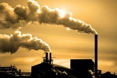 Hava kirliliği, canlıların sağlığını olumsuz yönde etkileyen ve havadaki yabancı maddelerin, normalin üzerinde miktar ve yoğunluğa ulaşmasıdır.  Bir başka deyişle hava kirliliği; havada katı, sıvı ve gaz şeklindeki yabancı maddelerin insan sağlığına, canlı hayatına ve ekolojik dengeye zarar verecek miktar, yoğunluk ve uzun sürede atmosferde bulunmasıdır. İnsanların çeşitli faaliyetleri sonucu meydana gelen üretim ve tüketim aktiviteleri sırasında ortaya çıkan atıklarla hava tabakası…