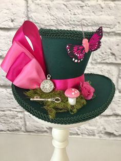 This item is unavailable Alice in Wonderland Mini Top Hat Mad by CuriouserCuriouserCo Diy Mad Hatter Hat, Mad Hatter Costumes, Mad Hatter Party, Mad Hatter Tea, Mad Hatters, Crazy Hat Day, Crazy Hats, Mode Steampunk, Steampunk Hat