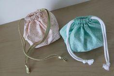 Un tuto de couture à suivre pour réaliser un petit sac pochon parfait pour les… (Sac Pour Bebe)