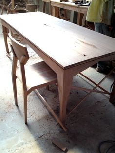 Balcones chair, Sidney table / Aaron Poritz Furniture / responsibly sourced hardwood furniture, made in Nicaragua by a CCA grad http://www.aaronporitz.com