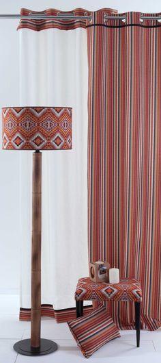 Lámpara, taburete, cojín y cortina Edgar