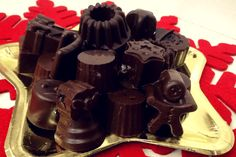 Χριστουγεννιάτικα σοκολατάκια Chocolate Caramels, Christmas Time, Christmas Recipes, Food And Drink, Favorite Recipes, Sweets, Candy, Cookies, Drinks