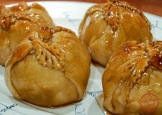 Food Photography: My Mom's Old Fashioned Apple Dumplings Fruit Recipes, Apple Recipes, Fall Recipes, Cooking Recipes, Cooking Time, Dessert Recipes, Old Fashioned Apple Dumplings Recipe, Apple Dumpling Recipe, Apple Dumplins