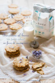 io...così come sono...: Biscottini al burro ai fiori di rosmarino (con far...