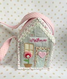 Photo by on February Sewing Caddy, Sewing Art, Sewing Crafts, Sewing Projects, Fabric Decor, Fabric Crafts, Felt Doll House, Retreat Gifts, Tilda Toy