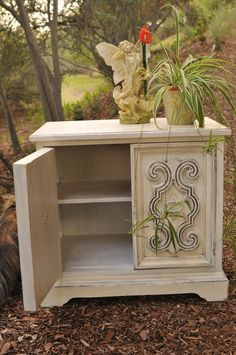 Side Tables in Shabby Chic - sold!