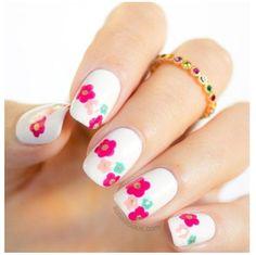 2 modele de unghii cu flori: tutoriale simple și originale!