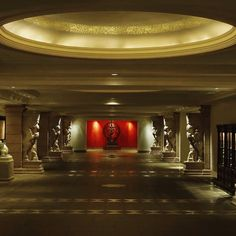 The Leela in Goa India. A blend of stunning South Indian temple traditions and Portuguese heritage amalgamated intothis beautifully designed resort.  #leelagoa #hotellobby #goa #authentictravelexperiences #bucketlist #culture #getaway #holiday #ilovetravel #incredibleindia #india #instago #instatravel #luxury #luxuryasia #luxurytravel #loveindia #southindia #tourism #travel #travelgram #travelindia #travelphotography #travlepics #vacation #view #wanderlust #Indianodyssey