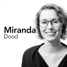 Miranda stelde zich op een bijzondere manier aan ons voor. Per post kwam een pakketje met een brief en een boekje. Het doorbladeren van het boekje gaf een overzicht van door haar gemaakte producties. Met aandacht en precisie, een papieren kopie van haar kunnen. In de korte tijd dat we haar nu kennen, is Miranda dat boekje gebleken. In een paar steekwoorden: nauwkeurig, sociaal, gedreven, betrokken, collegiaal en goedlachs. #creatief #nauwkeurig #gedreven #collegiaal #goedlachs #stunnenberg