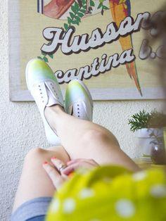 DIY Shoes DIY Refashion : DIY Ombre Watercolor Shoes