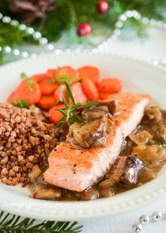Mirabelkowy blog: Łosoś w sosie grzybowym Polish Christmas, Polish Recipes, Cheesesteak, Cooking Recipes, Beef, Chicken, Ethnic Recipes, Poland, Kitchens