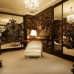 A look at the former homes of style icon, Coco Chanel in central Paris at the Ritz Hotel, Rue Cambon, and Roquebrune-Cap-Martin in the South of France. The Ritz Paris, Paris Flat, Chanel 19, Chanel Paris, Chanel Store, Chanel Fine Jewelry, Mademoiselle Coco Chanel, Interior And Exterior, Interior Design
