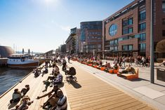 'Stranden' is the first of a multi-stage redevelopment of the precinct known as 'Aker Brygge' in Oslo, Norway. It is part of a greater effort to reinvigorate Oslo's post-industrial waterfront by creating a long p. Landscape Edging, Landscape Plans, Urban Landscape, Landscape Architecture, Architecture Design, Oslo, Urban Furniture, Contemporary Landscape, Exterior