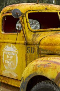 Vintage yellow truck 。\|/ 。☆ ♥♥ »✿❤❤✿« ☆ ☆ ◦ ● ◦ ჱ ܓ ჱ ᴀ ρᴇᴀcᴇғυʟ ρᴀʀᴀᴅısᴇ ჱ ܓ ჱ ✿⊱╮ ♡ ❊ ** Buona giornata ** ❊ ~ ❤✿❤ ♫ ♥ X ღɱɧღ ❤ ~ Sa 28th March 2015
